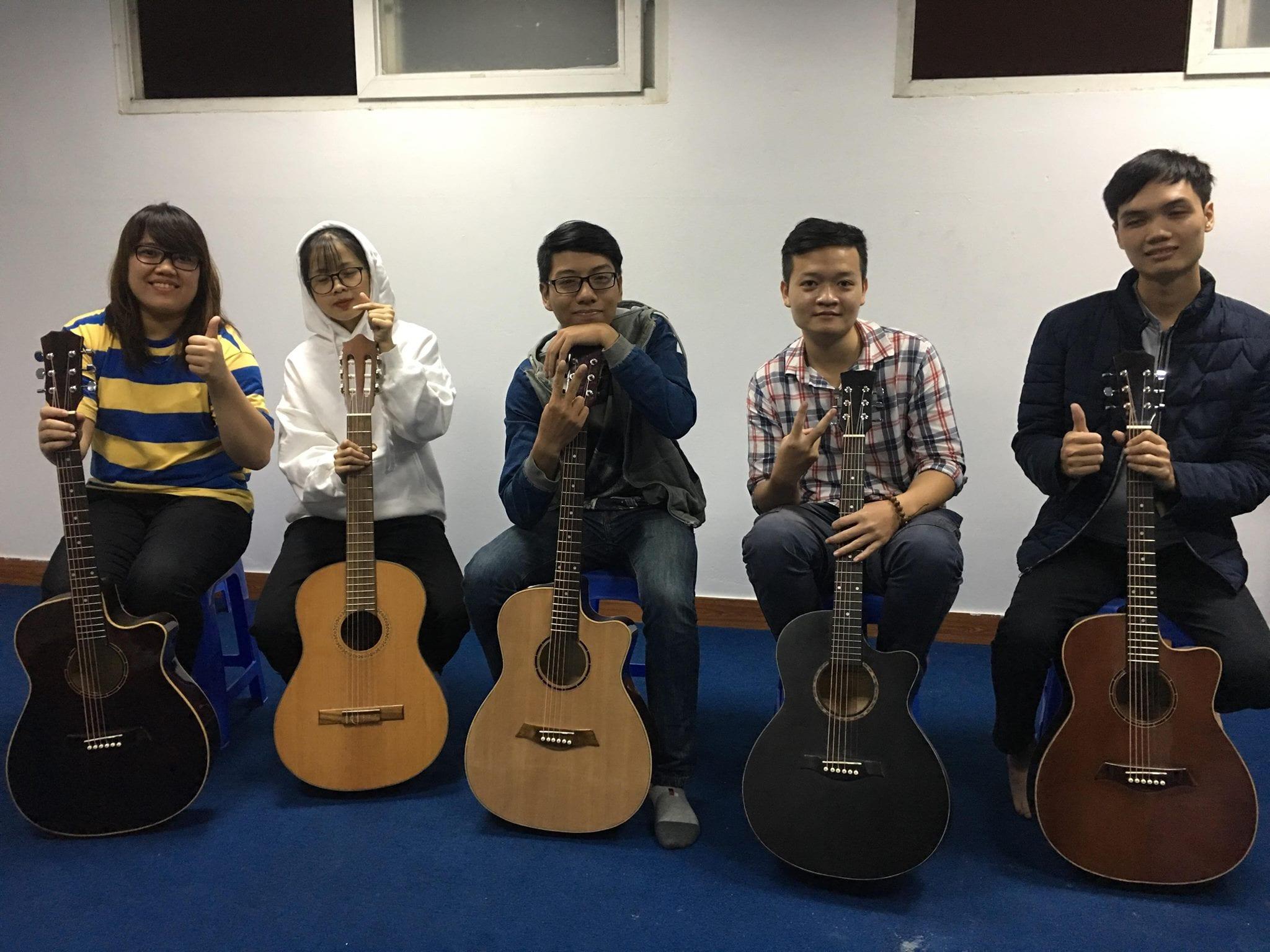 Lớp Guitar Thanh Xuân Hà Đông
